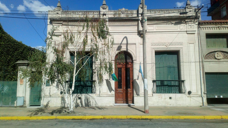 Sede del Jardín 929 de Olavarría, uno de los edificios con riesgo de desalojo según la denuncia del Consejo Escolar (Foto Facebook)