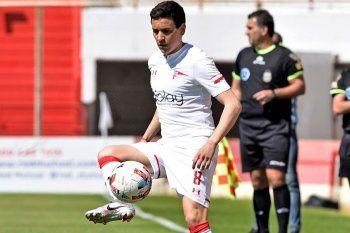 Fernando Zuqui en acción en Unión vs. Estudiantes.