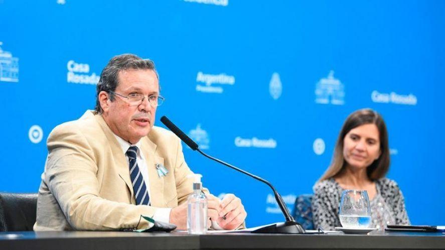 El ministro de Cultura Tristán Bauer presentó el programa Más Cultura Joven, junto a la titular de ANSES, Fernanda Raverta.