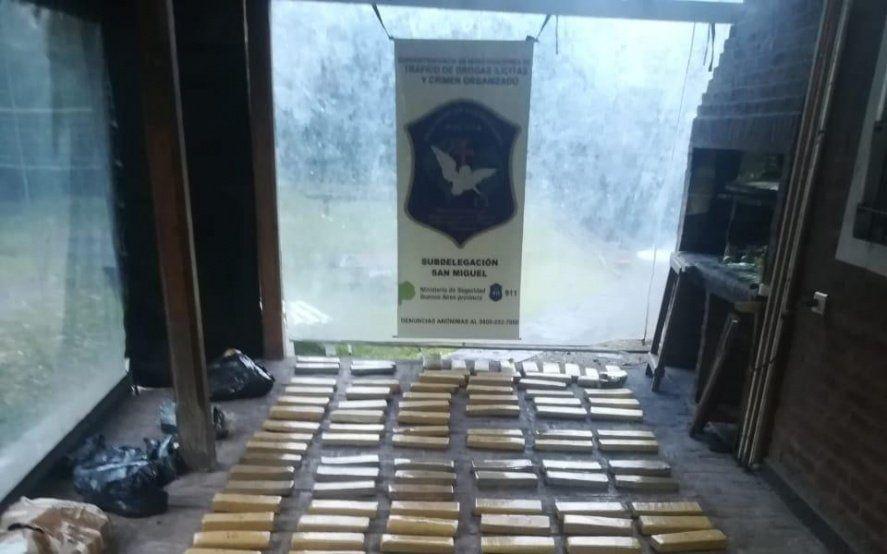 Incautan más de 163 kilos de marihuana ocultos en una camioneta en Moreno