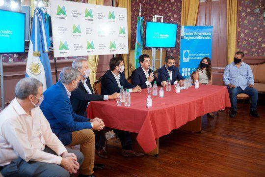 El ministro del Interior, Eduardo Wado De Pedro presentó en Mercedes las nuevas carreras terciarias y universitarias.