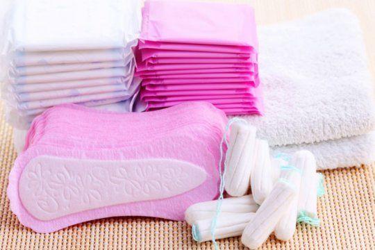 escocia se convertira en el primer pais en proveer tampones y toallitas gratis
