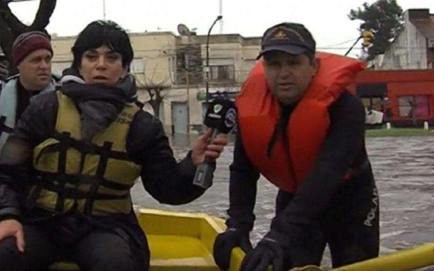 Mónica Gutiérrez habló de las burlas por su foto en el bote cubriendo la inundación de Luján en 2015
