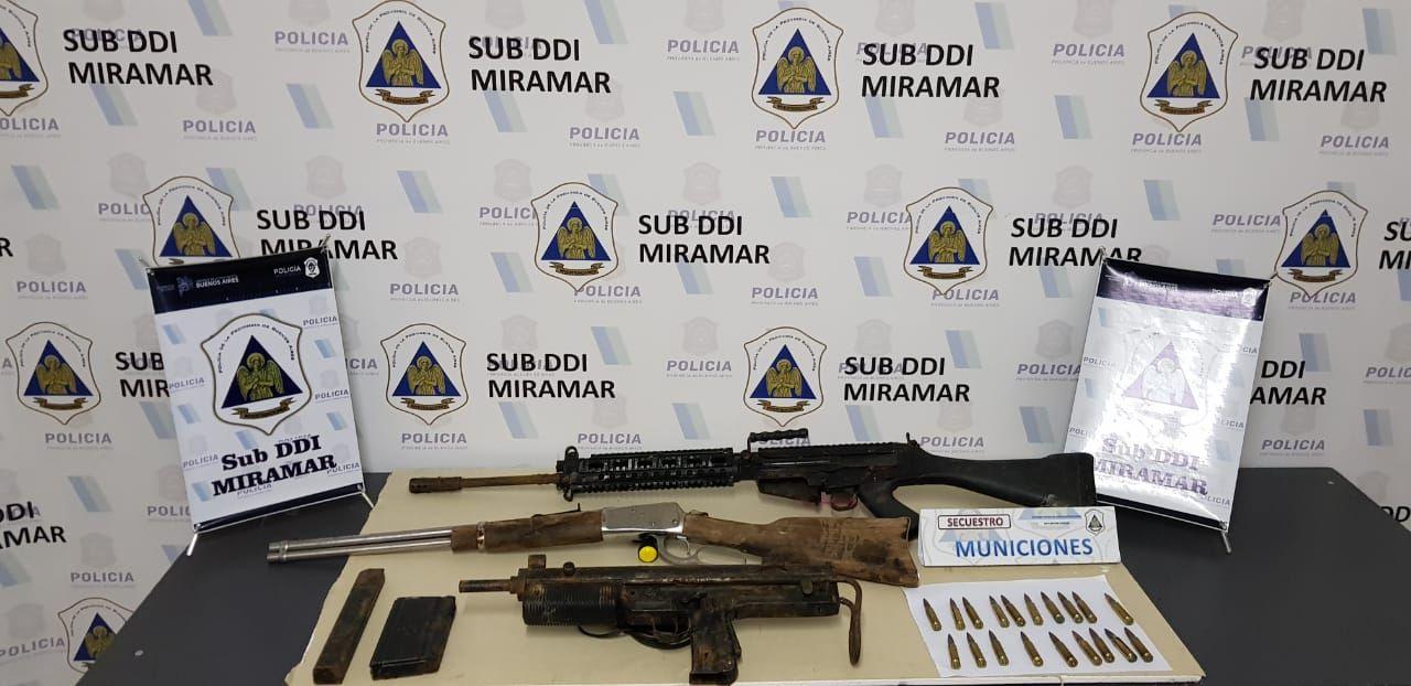Los elementos secuestrados en el allanamiento en Miramar