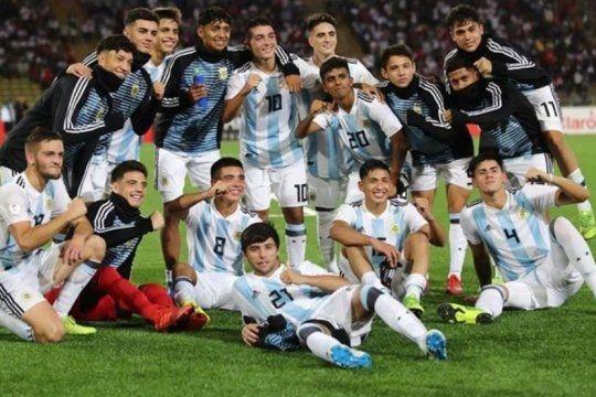 indignacion peruana: el sub 17 se corono campeon en medio de una fuerte polemica e insultos a tapia