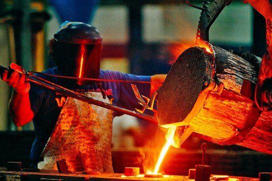 La producción industrial creció 5,4% en enero.