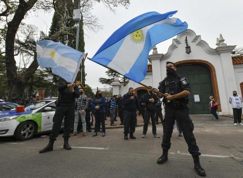 Berni retira del servicio a 400 policías y podría haber desafectaciones