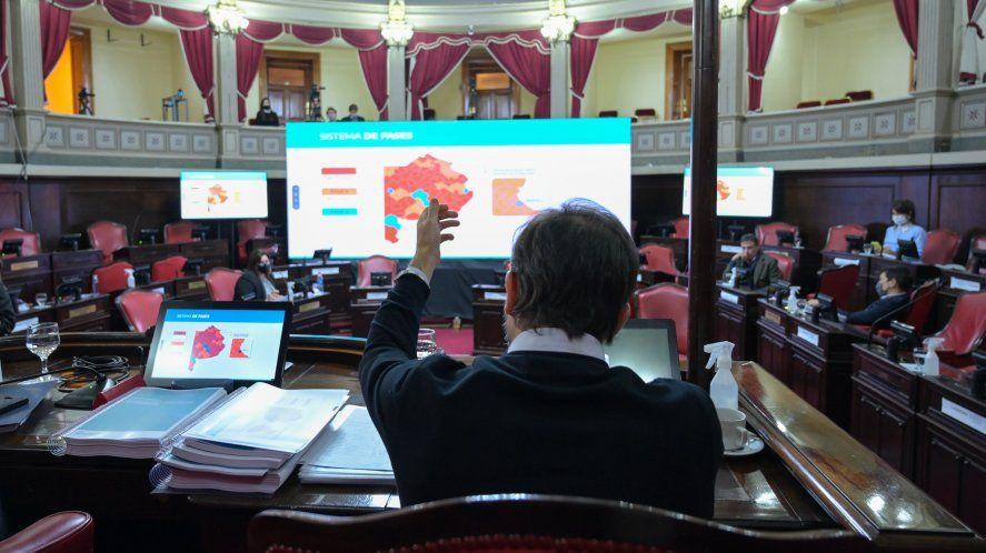 Carlos Bianco fue el encargado de brindar el informe de gestión en el Senado.