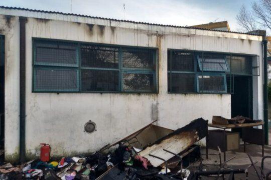 en la plata, la municipalidad gasta mas de un millon por mes para reparar escuelas vandalizadas