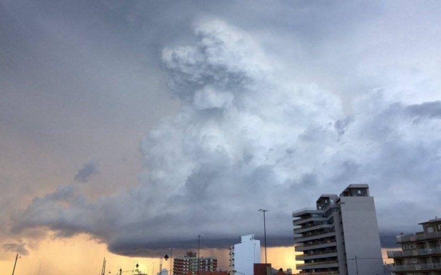 Sigue la ola de calor y hay alerta meteorológico por tormentas fuertes en varios puntos de la Provincia