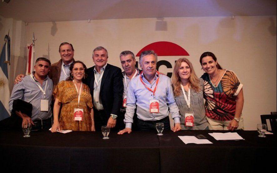 """Cornejo fue reelecto al frente de la UCR y consideró que su partido """"es el mejor para liderar"""" la oposición"""