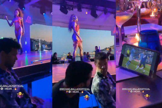 video viral: michael ballack ignoro a las bailarinas en un show nocturno para ver la final de la champions desde su celular