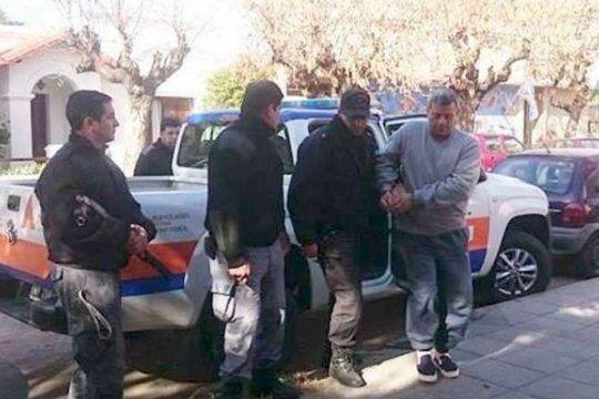 condenaron a 16 anos de prision a ?manosanta? en azul por dos casos de violacion