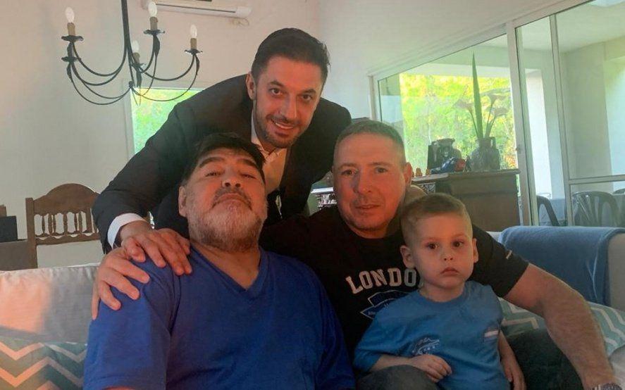 El polémico Deportivo Riestra: gerenciado por Víctor Stinfale y con Maradona cerca, vive bajo sospecha
