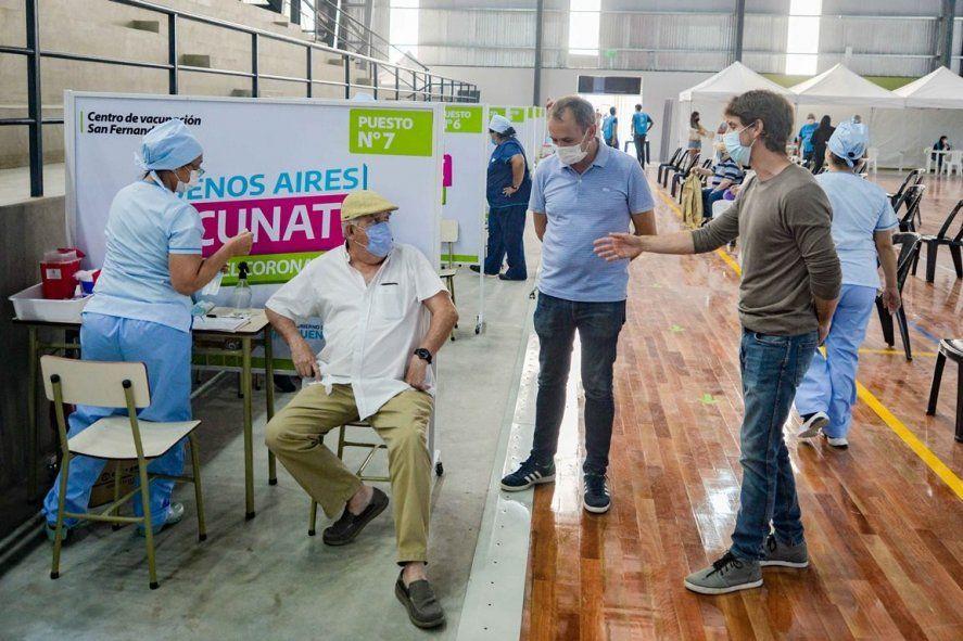 Juan Andreotti recorrió el cuarto vacunatorio de San Fernando