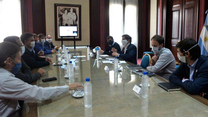 El oficialismo y la oposición se sentaron a negociar
