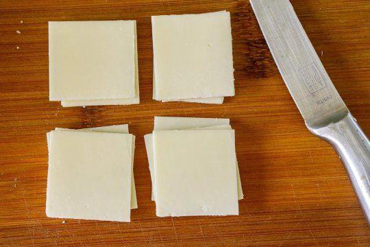 la anmat prohibio la venta de un queso contaminado y mal rotulado