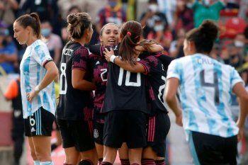 El fútbol femenino de Argentina fue goleado por México.