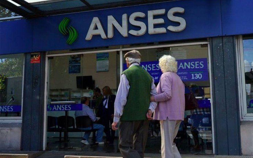 Por el vaciamiento de ANSES, exigen que no se toque la plata de los jubilados hasta que asuma Alberto
