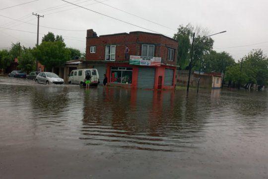 temporal en dolores: record de lluvia y mas de 70 evacuados