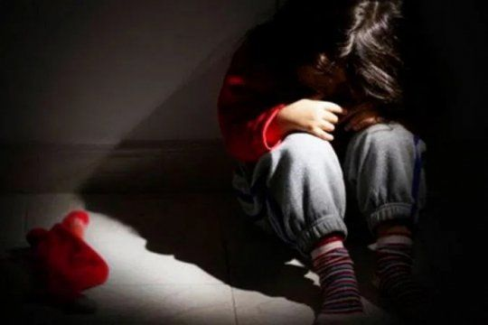 inician una causa penal a un adolescente de 16 anos por abusar sexualmente a su hermana de 4