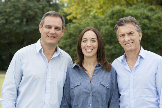 Esteban Santoro, junto a María Eugenia Vidal y Mauricio Macri, en una foto de campaña de Juntos por el Cambio