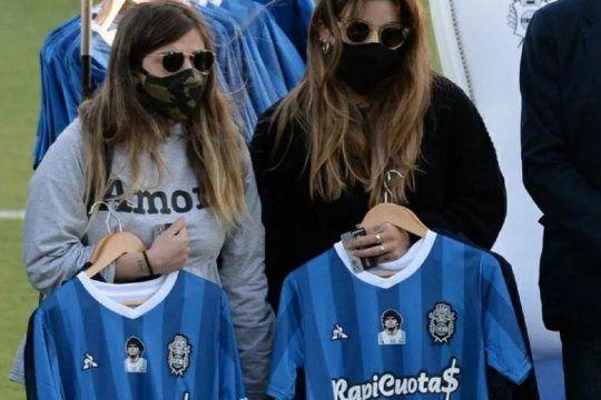 Dalma y Gianinna Maradona quieren saber cómo fue que se produjo la muerte de Diego