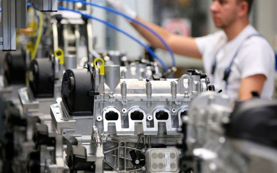 Recesión: la industria pyme cayó 6,1% en febrero y suma diez meses consecutivos