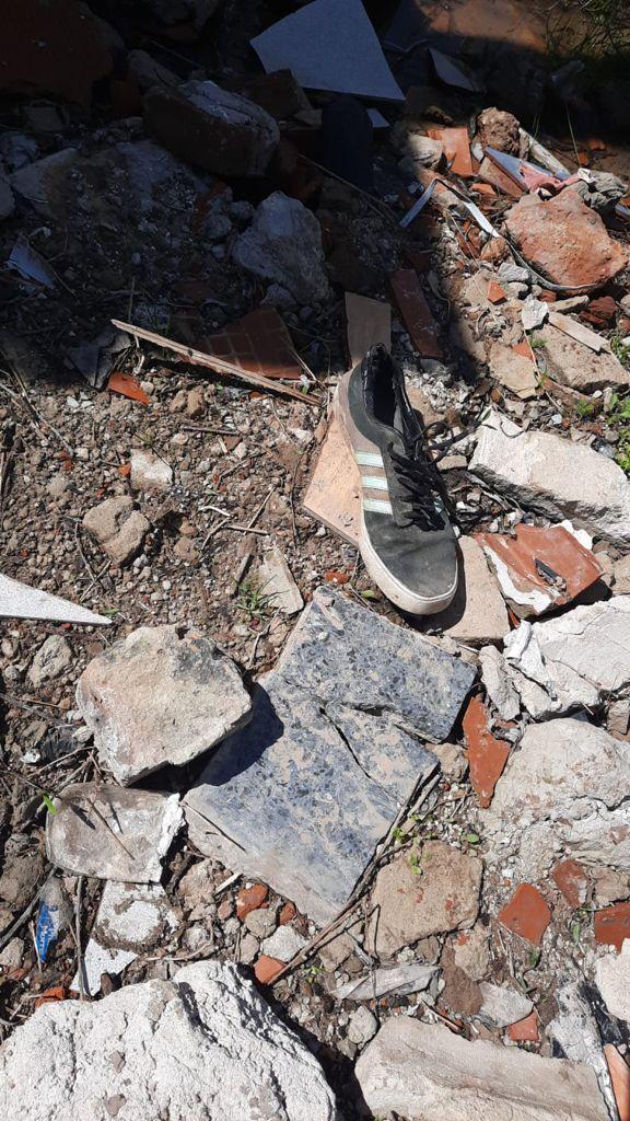 san vicente: asesinan a un hombre y esclarecen el caso por una zapatilla