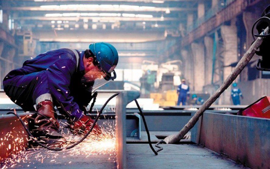 La actividad económica cayó 12,3% interanual en junio