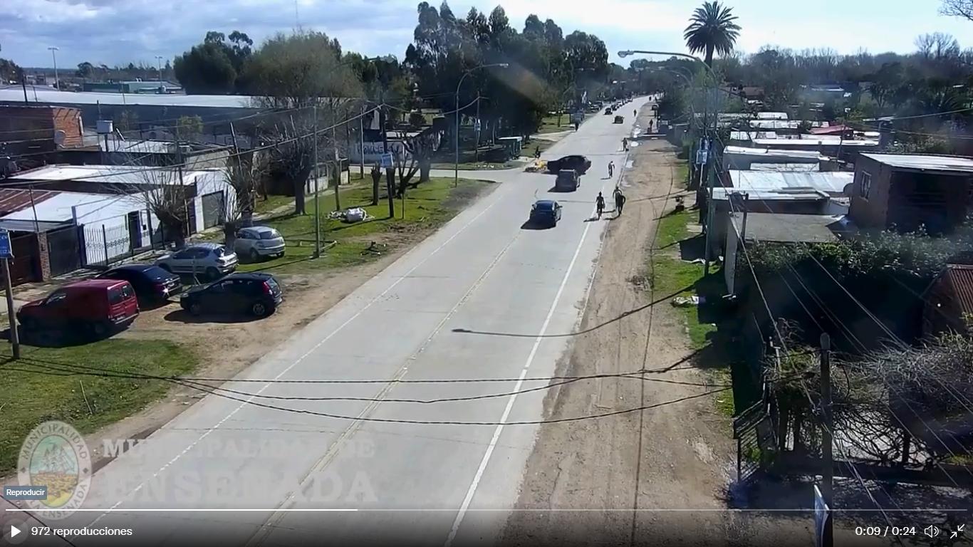 ensenada: lo choco una camioneta y se le incendio la moto