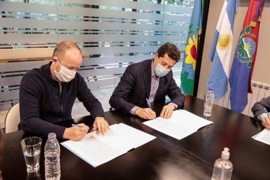 Wado de Pedro y Martín Insaurralde respaldaron la adecuación de la coparticipación porteña.