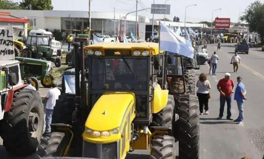 Productores esperan a Alberto y Kicillof con una marcha de repudio en Pergamino. Foto: Agrofy News