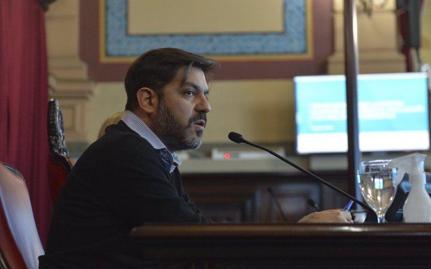 """Sigue el cruce """"picante"""" de Bianco con senadores opositores"""
