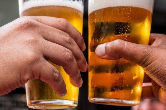 con dancing mood y karamelo santo, monte hermoso lanza una nueva edicion de la fiesta de la cerveza