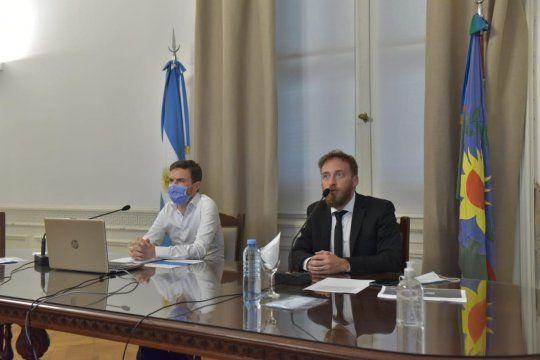 Augusto Costa expone en la Legislatura junto a Federico Otermín