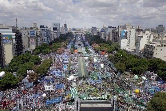 La intención de la CGT es dar una firme muestra de apoyo al Gobierno el Día de la Lealtad peronista luego de las marchas opositoras.
