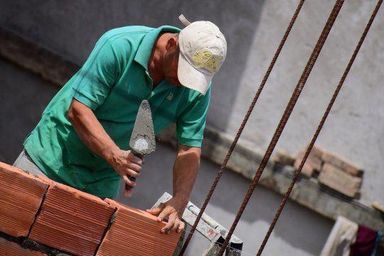 Con el programa de Precios Cuidados para la Construcción y el plan Procrear el Gobierno busca reactivar la construcción.