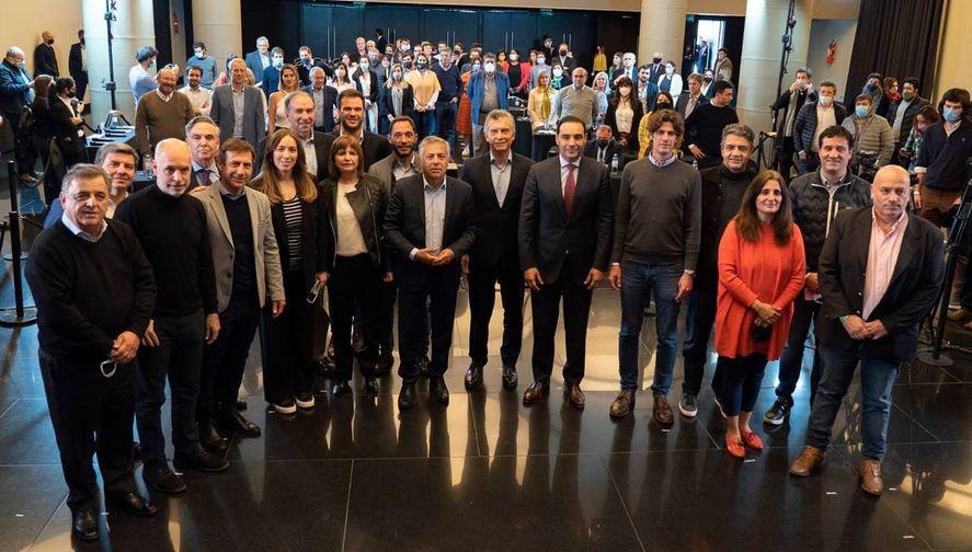 La foto de Juntos con la que Mauricio Macri peleó centralidad