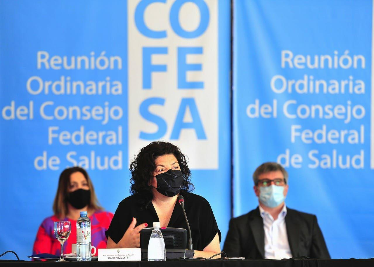 vizzoti aseguro que el gobierno analizara el uso de terceras dosis