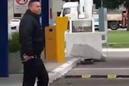 criminal: un policia disparo dos veces al aire para intimidar a trabajadores del inti