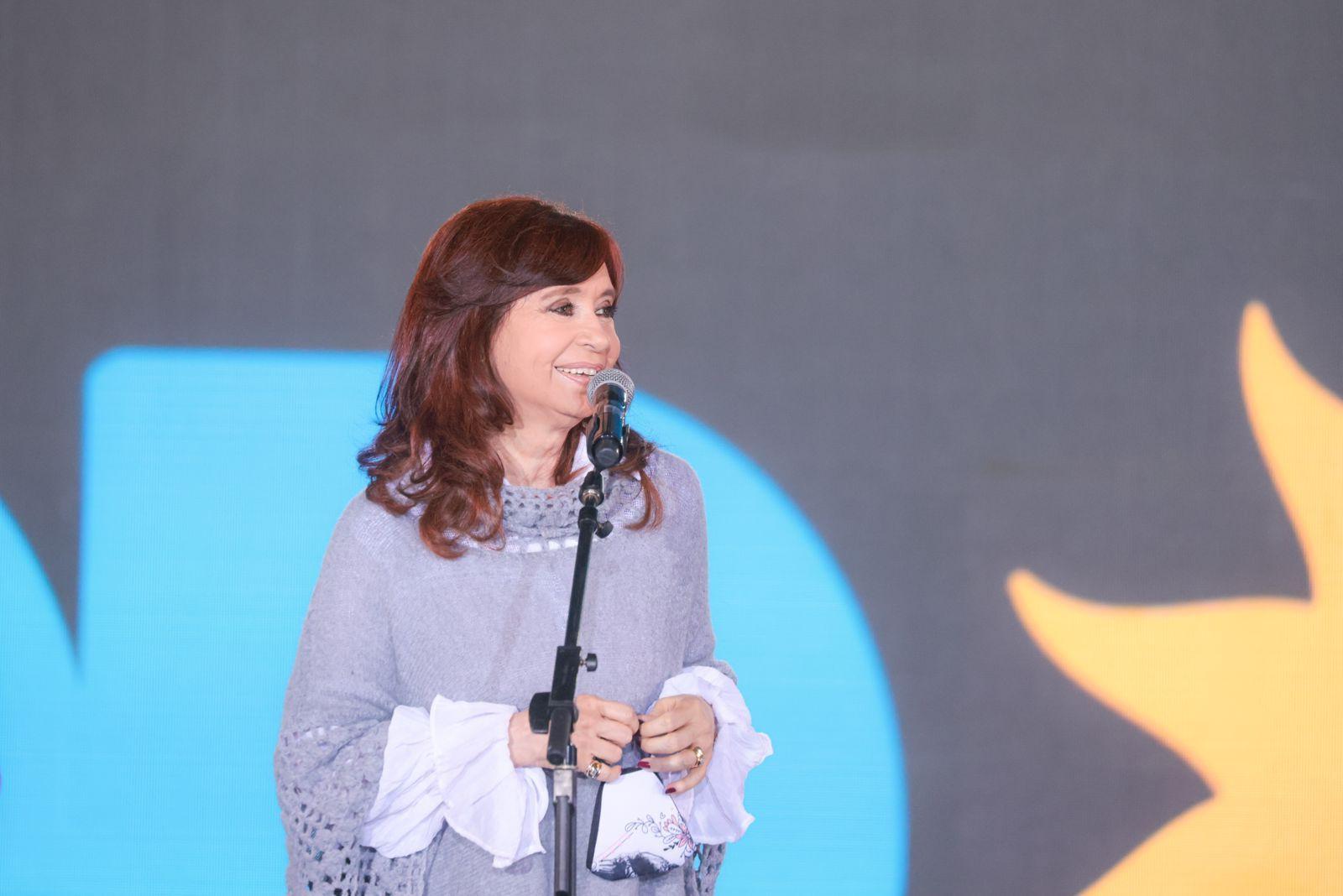 La vicrepresidenta, Cristina Fernández, fue una de las principales oradoras en el cierre de campaña del Frente de Todos.