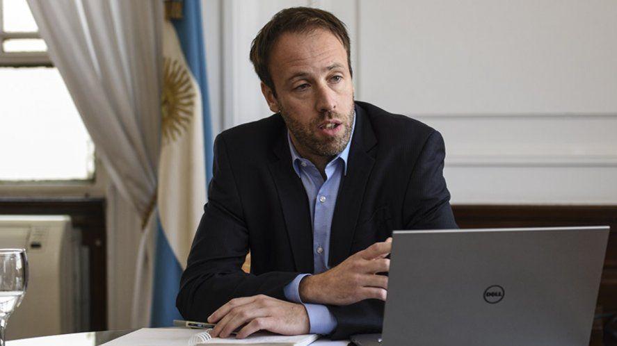 Pablo López recibió en el Ministerio de Economía a dos intendentes de Juntos por el Cambio.