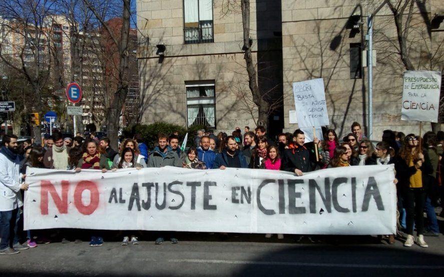 No al ajuste en Ciencia: investigadores de La Plata harán una caravana de protesta