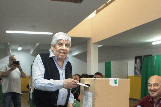 hugo moyano fue elegido por octava vez para conducir al gremio de camioneros
