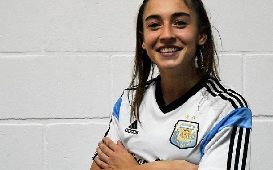 Julia Dupuy, la jugadora de la Selección que se anima a rapear y se la juega políticamente
