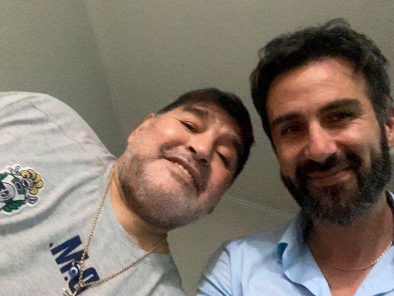 Allanan la casa y clínica del médico de Maradona
