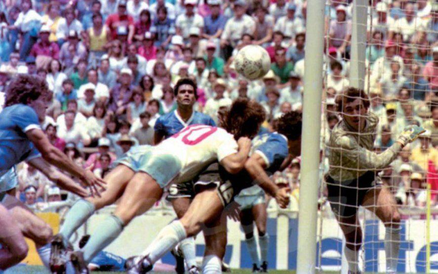 """""""La nuca de Dios"""", el increíble recurso contra Inglaterra que quedó opacado por los goles de Diego"""