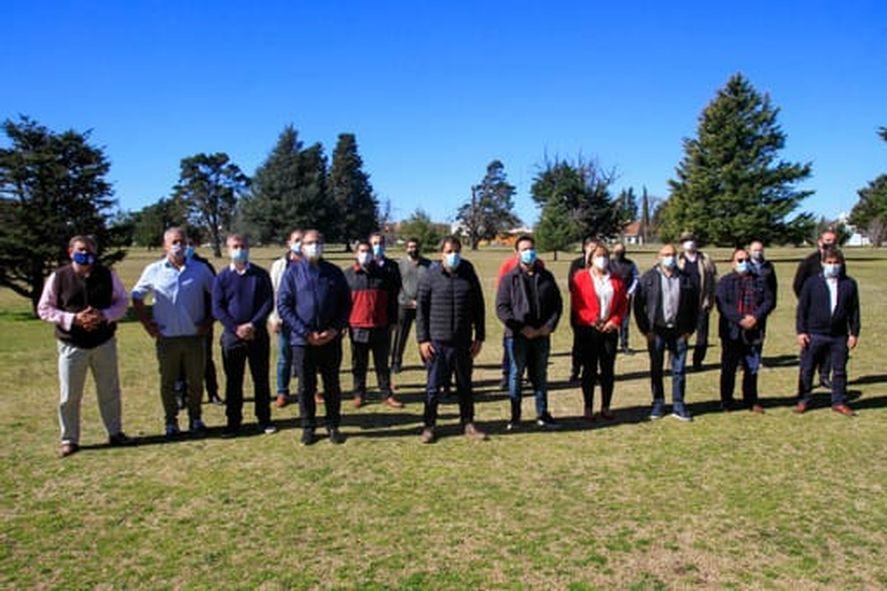 Facundo Manes reunió a los intendentes de la UCR en Olavarría