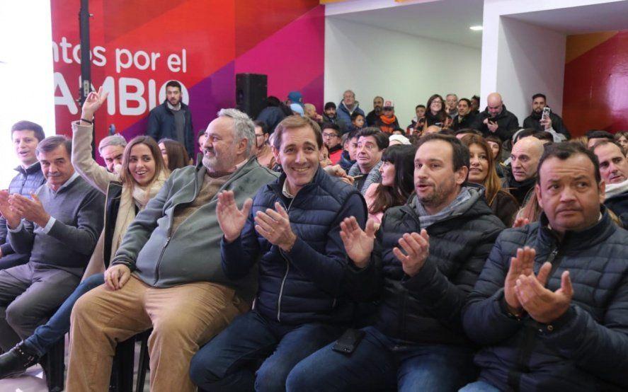 En campaña, Garro inauguró la sede de Juntos por el Cambio y encabezó un timbreo